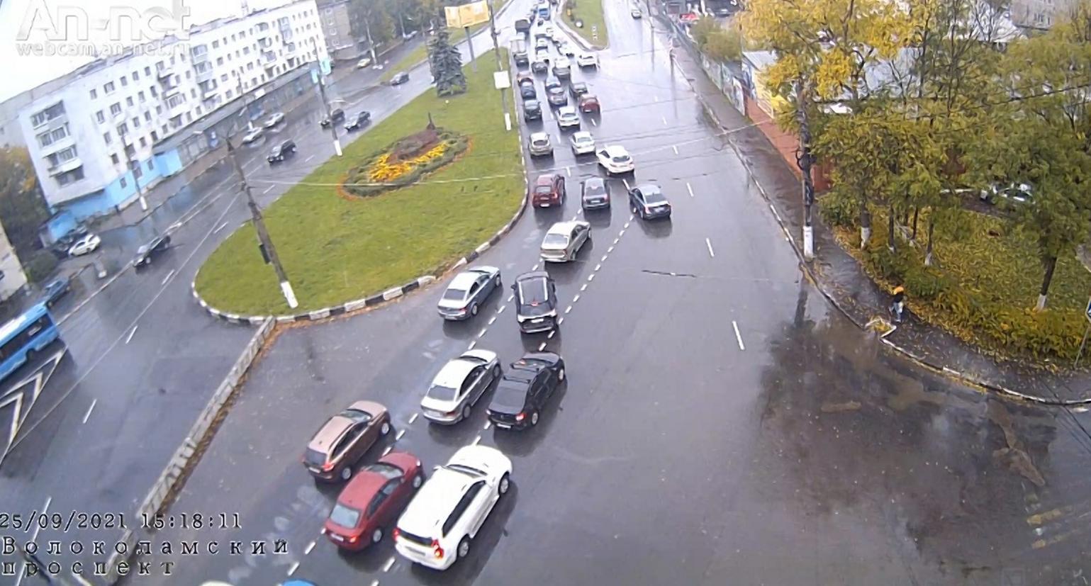 В Твери до конца октября на Волоколамском путепроводе частично ограничено движение