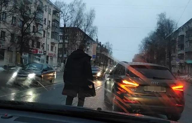 ГИБДД разбирается в дорожном конфликте водителей в Твери - новости Афанасий