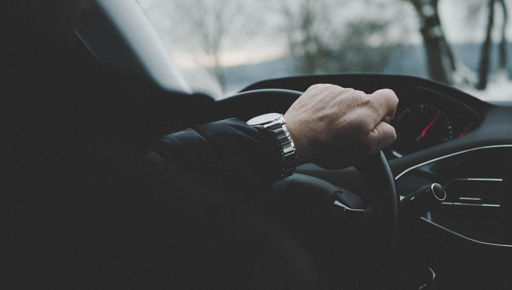 Житель Тверской области обманул знакомого и бесплатно забрал у него машину - новости Афанасий