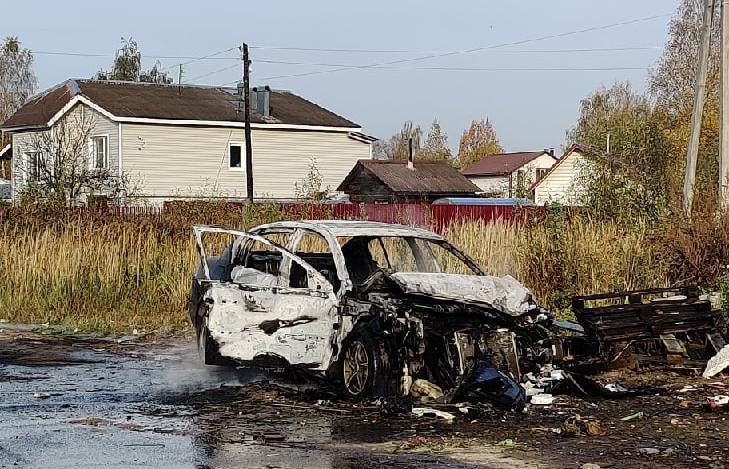 ДТП с пожаром произошло утром 11 октября в городе Конаково Тверской области.