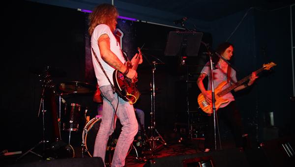 В Твери выступила рок-группа «Год змеи»