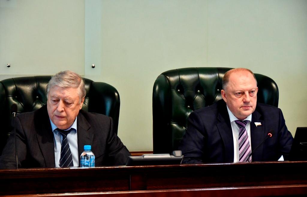 Тверской парламент внес изменения в бюджет и ряд региональных законов - новости Афанасий