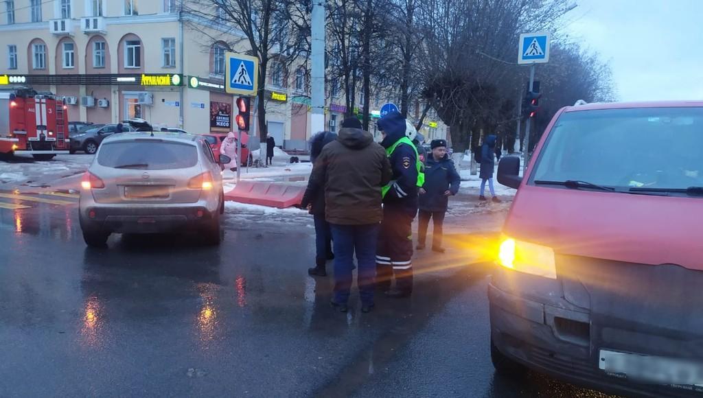 Двое маленьких детей пострадали в ДТП в Твери - новости Афанасий