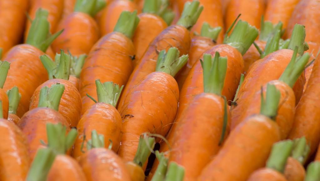 В Тверской области дорожают рыба и морковь, а дешевеют яблоки - новости Афанасий