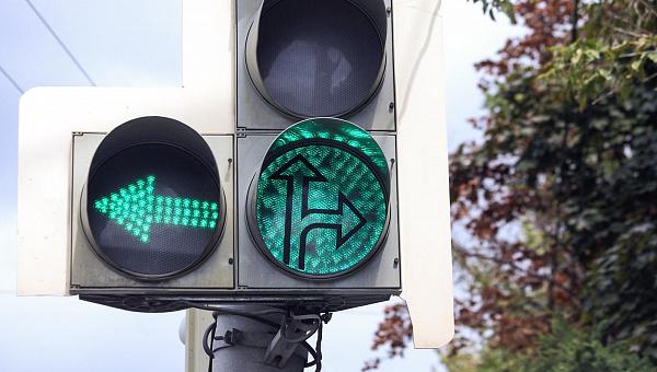 Светофор на проспекте Победы в Твери оборудуют секцией для поворота налево