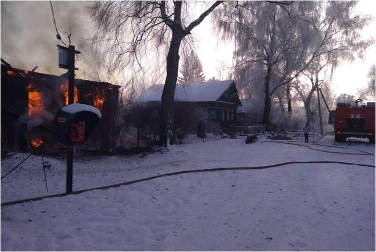 В Тверской области на пожаре мужчина обжег лицо