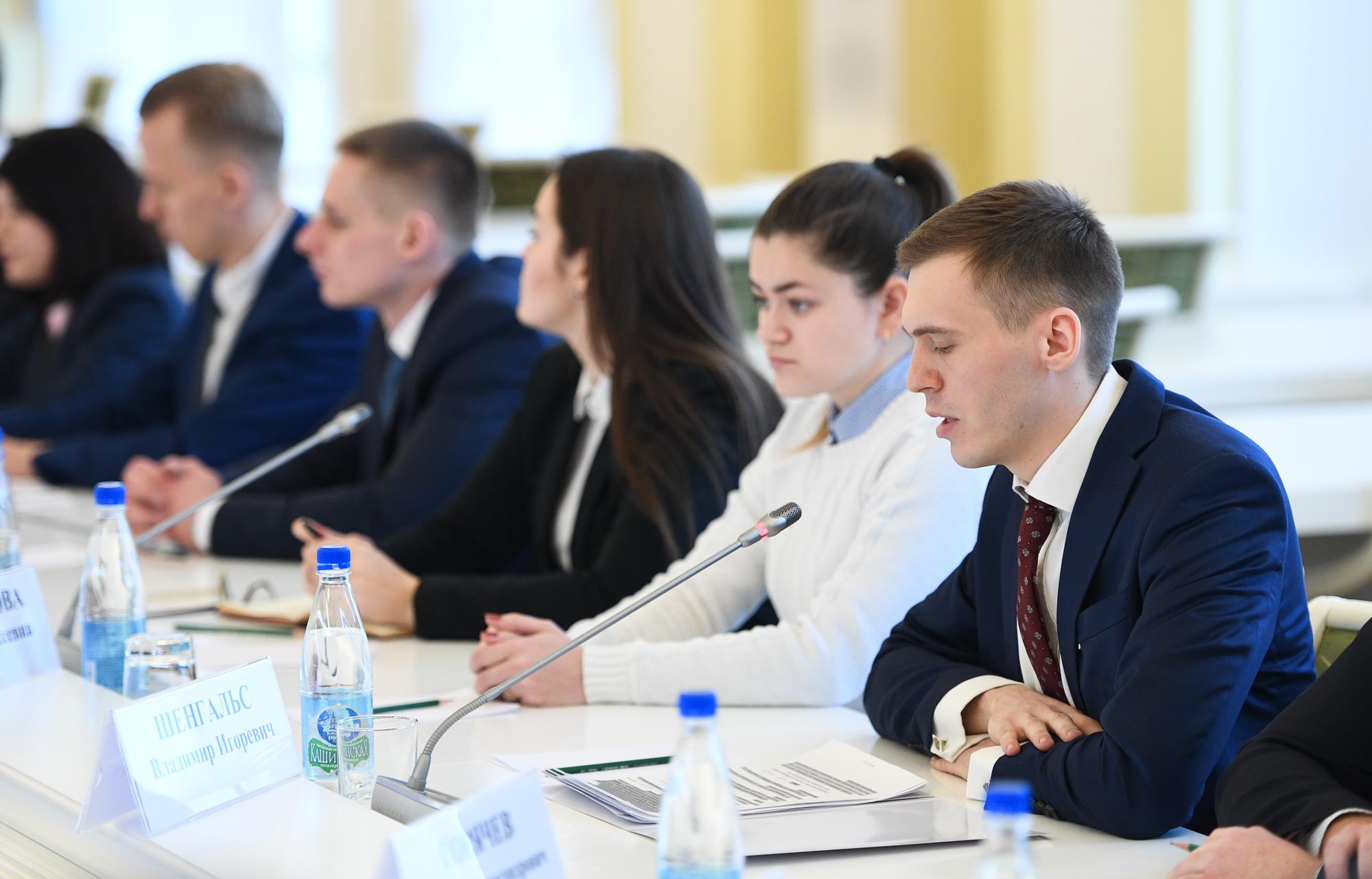 Недвижимость, туризм, творческие вечера - в предложениях студентов губернатору Тверской области