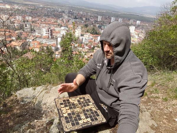 Участники «Былинного берега» собрали потерянную сумму и нашли кошелек туриста из Болгарии