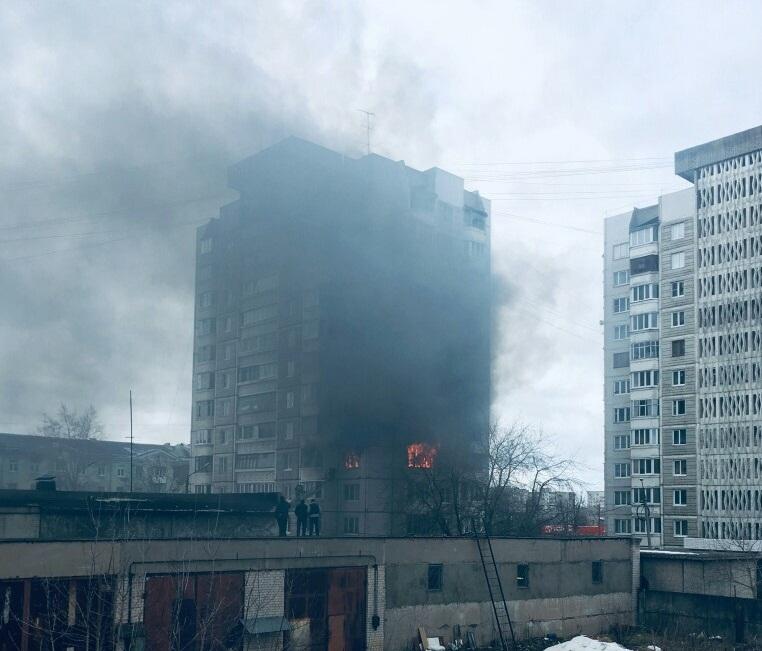 В Твери при пожаре в квартире пострадала пожилая женщина