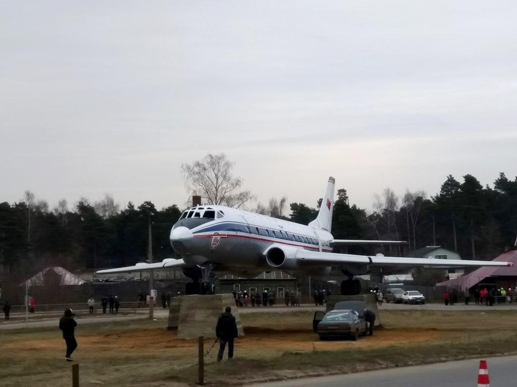 Памятник-самолет в Кимрах